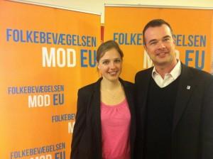 Rina Ronja Kari og Lave K. Broch siger nej til at give EU magt over retspolitikken og udlændingepolitikken og ja til retsforbeholdet og en anstændig asylpolitik.