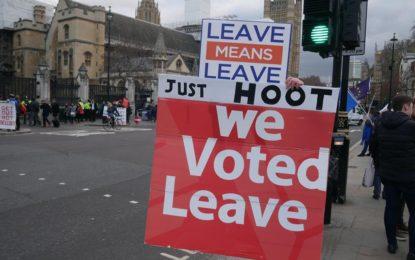 Storbritannien er på vej ud EU og EU-toppen vil have mere EU